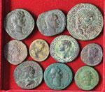 Lotto di quindici bronzi romani imperiali. ...