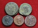 Lotto di cinque bronzi romani. Non si ...