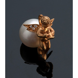18K gold pearl pendant; ; ...