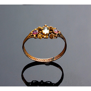 Antique 15K Gold Ring set with ...