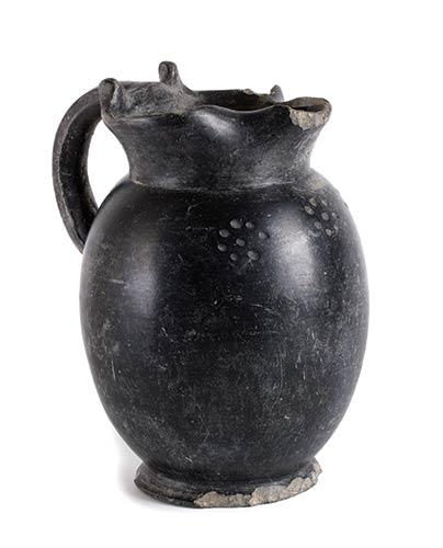 Oinochoe etrusca in bucchero Fine ...