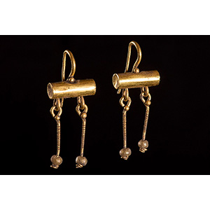 Pair of Roman gold earrings 3rd ...