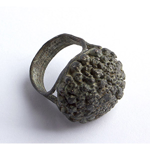 Bronze floral finger ring  6th - 7th century ...
