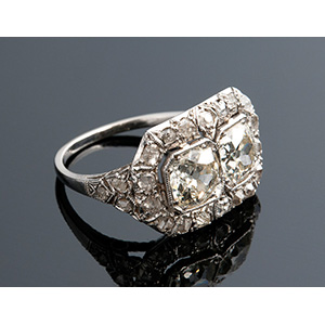 PLAtinum and diamond ring, 1920's; ; with ...