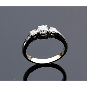 A Lady's elegant Trilogy Diamond Ring. ; ; ...