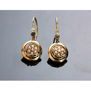 Antique 18K gold and pearls dangle earrings ...