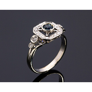 18K GOLD SAPPHIRE AND DIAMOND RING; ; blue ...