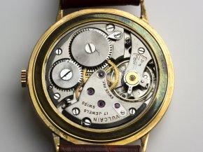 18K gold wristwatch - VULCAIN ...