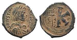 Justinian I (527-565). Æ 20 Nummi (27mm, ...