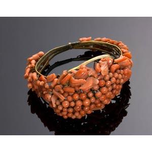 A Mediterranean Sciacca coral bracelet ...