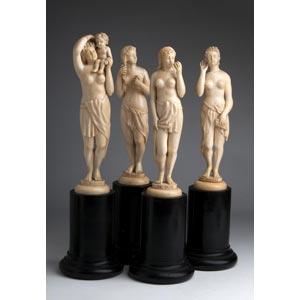 Gruppo di quattro figure femminili in avorio ...