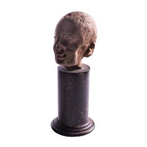 Testina maschile in stile grottesco Egitto, ...