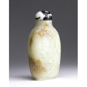A nephrite carved snuff bottle;XX century; ...