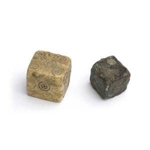 Coppia di dadiEpoca romana; alt. max cm 1; ...