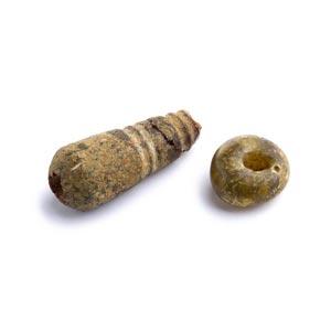 Due ornamenti in ambraVIII – VI secolo ...
