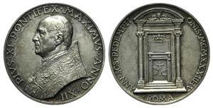 Papal, Pio XI (1922-1939). AR Medal 1933 ...