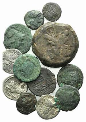 Lot of 12 AR and Æ Roman Republican coins, ...
