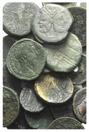 Lot of 100 Æ coins, mostly Roman Imperial, ...