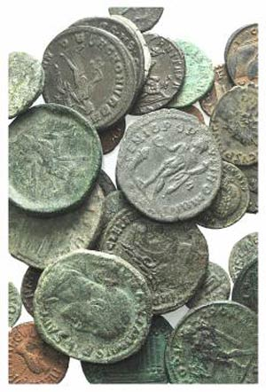 Lot of 33 Æ Roman Imperial coins, including ...