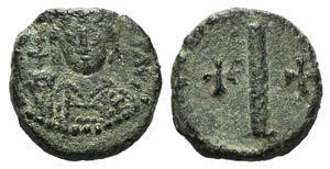 Tiberius II (578-582). Æ 10 Nummi (13mm, ...