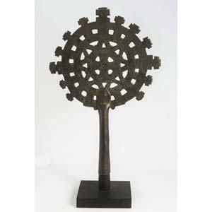 Croce astile etiopica con forma di circolo ...