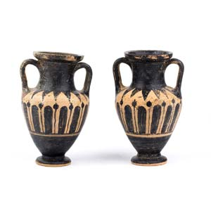 A couple of amphoras attributed to the ...