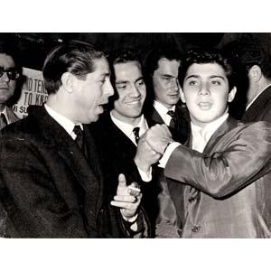 ROMA PRESS PHOTO  Singer Paul Anka with some ...