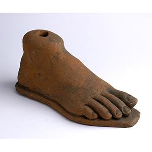 Grande piede fittile votivo Italia centrale, ...