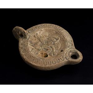 Lucerna romana con Iside e Anubi I-III ...