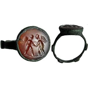 Anello in bronzo con corniola incisa I-II ...