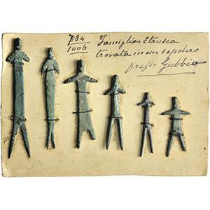 Gruppo di bronzetti votivi di epoca etrusca ...