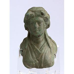 Busto femminile in bronzo II-III secolo ...