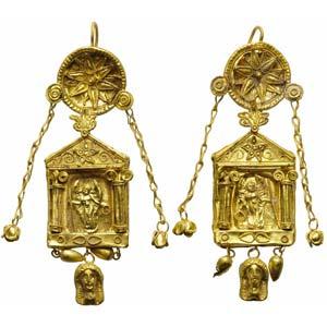 Pair of gold pendant earringsMagna Graecia, ...