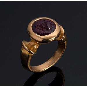 MELIS - 21K gold signet ruby ring ...