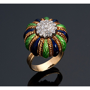 Fine quality gourd shaped 18K gold ring, ...