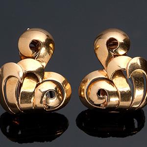 Pair of Beautiful Art Deco period 18K gold ...