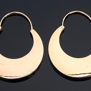 An eXquisite 12K gold large ornamental pair ...