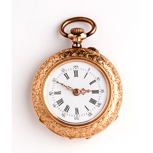 Solid 18K gold pocket watch the case is ...
