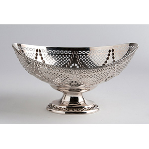 Fine Sterling Silver (925‰) boat shaped ...