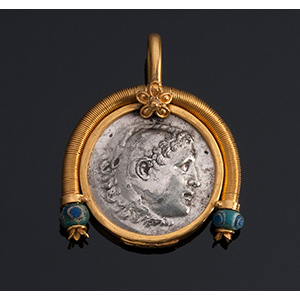 MELIS - 21K gold pendant with ancient coin e ...