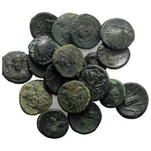 South Italy, lot of 18 Greek Æ coins, to be ...
