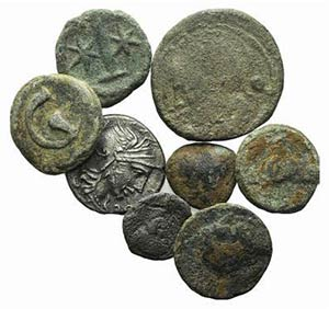 Mixed lot of 8 coins, including Greek, Roman ...