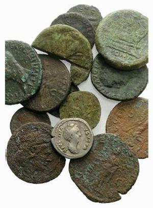 Mixed lot of 14 Roman Republican and Roman ...