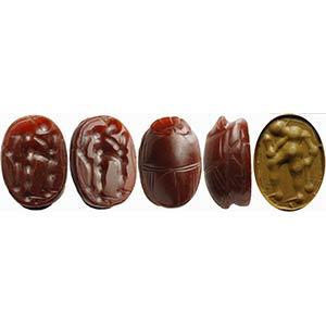 Pregiato scarabeo etrusco in corniola. ...
