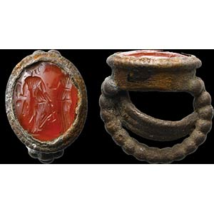 Intaglio romano in corniola montato su ...