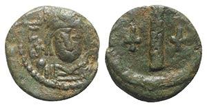 Tiberius II (578-582). Æ 10 Nummi (15mm, ...