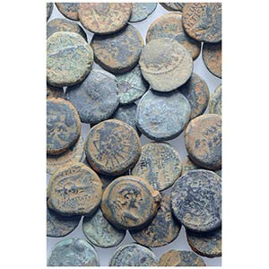 Seleukid Empire, lot of 38 Æ coins, to be ...