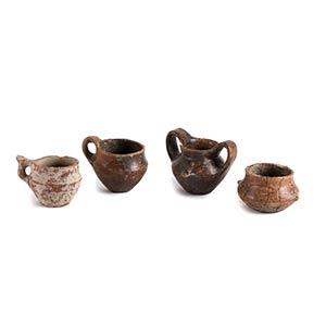 Gruppo di quattro vasi etruschi ...
