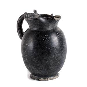 Oinochoe etrusca in bucchero Fine del VII ...