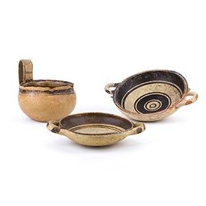Tre vasi Dauni V secolo a.C. alt. max cm 13; ...